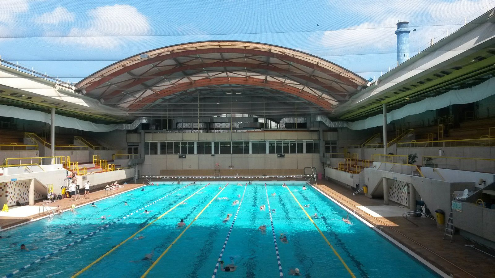 Pool talk a dane in france for Piscine georges vallerey
