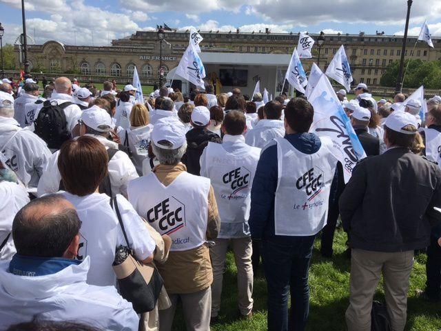 Loi travail : rassemblement CFE-CGC du 03 mai 2016 aux Invalides
