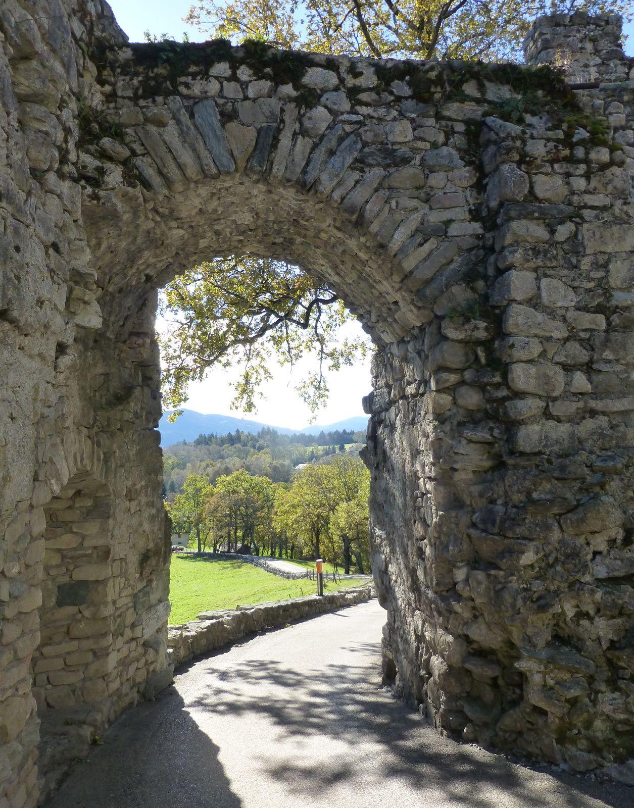 Les ruines des châteaux des Allinges
