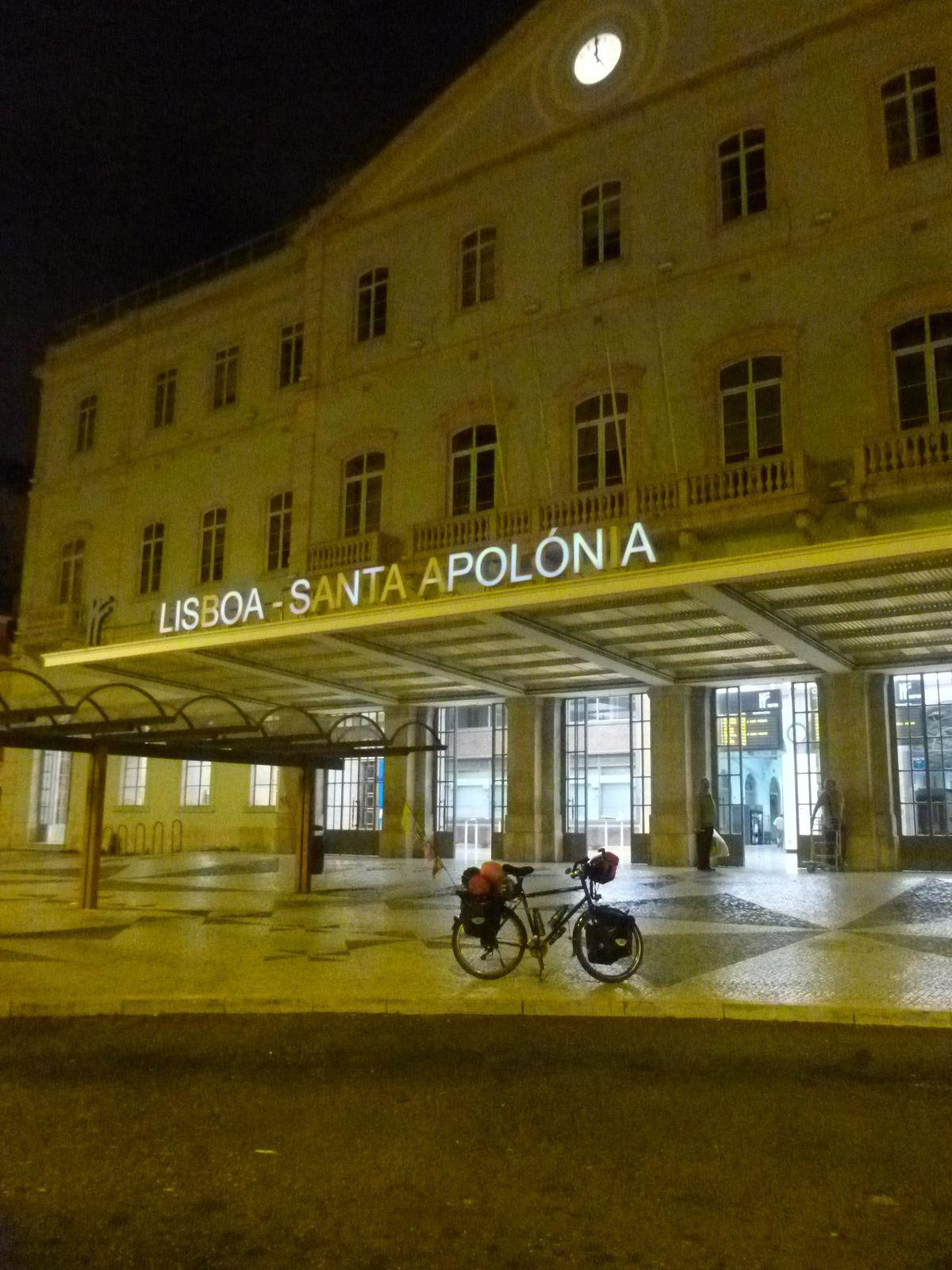 départ de Lisboa par la gare de Santa Apolonia