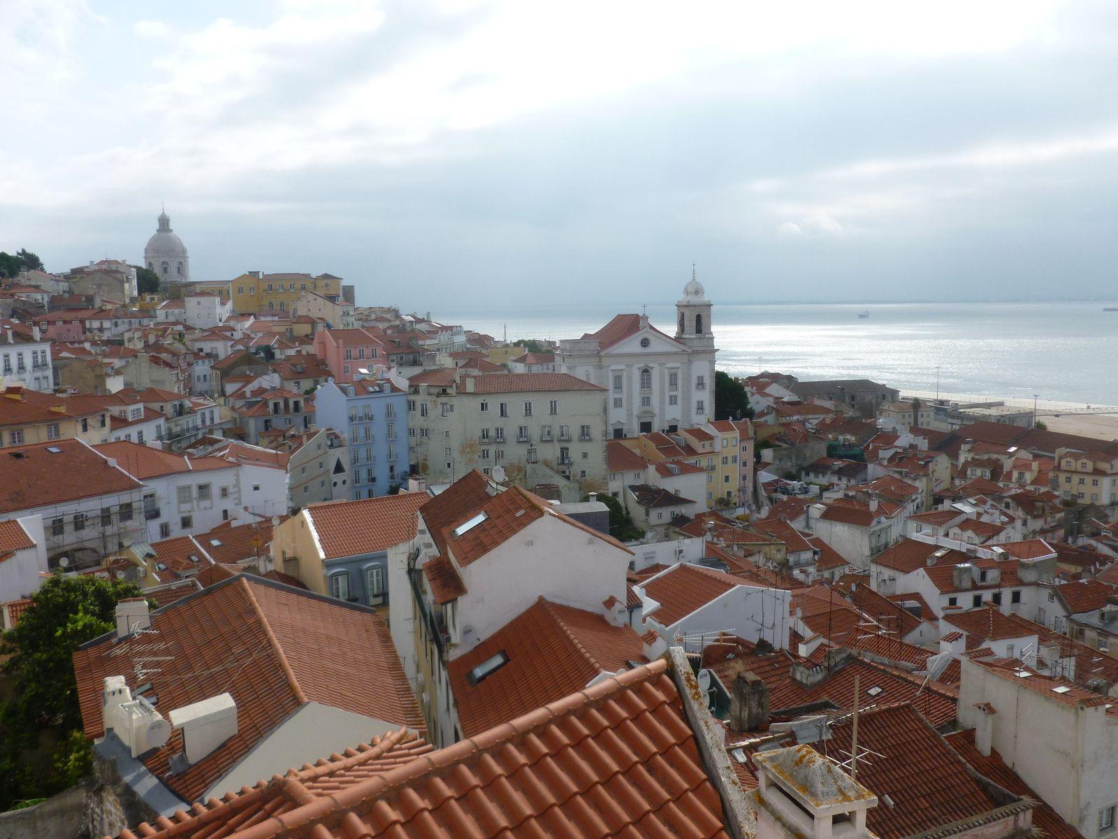 Lisboa: le jour se lève sur le Tejo, Tramway de Lisboa (ligne 28)