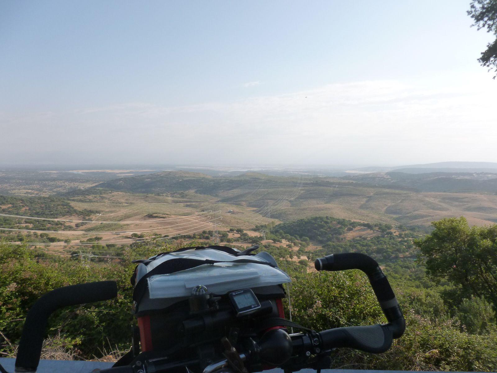 Chaud la montée du col de Miravete après Almazar,