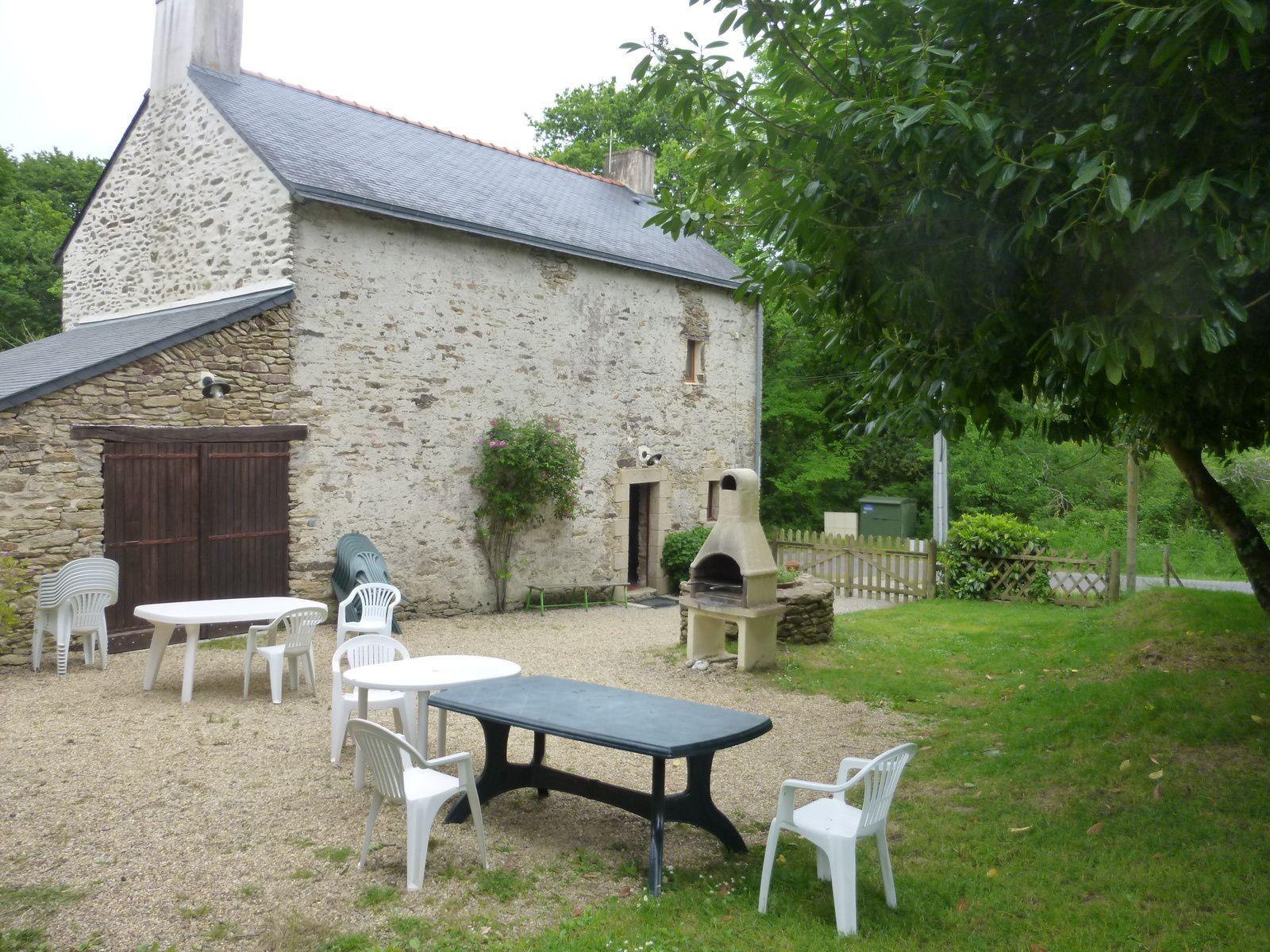 balisage bi-lingue s'il vous plaît - le Marais salant de Lasné - le Gîte de Quintin en sarzeau - le Quadrille et Yannick hôte du Gîte.