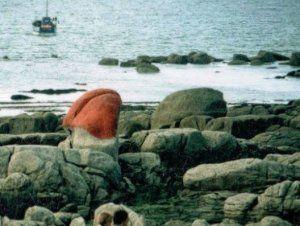 """Feu le """"Zizi de Pépé"""" dynamité le 12 juin 1987 par les culs-bénis de Plouescat (photo de photo)"""
