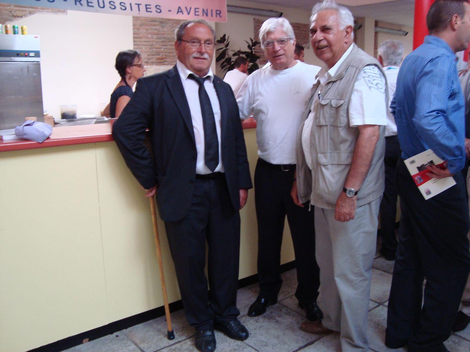 De gauche à droite : G. Mène, C. Nal et J-P Ballester à la buvette