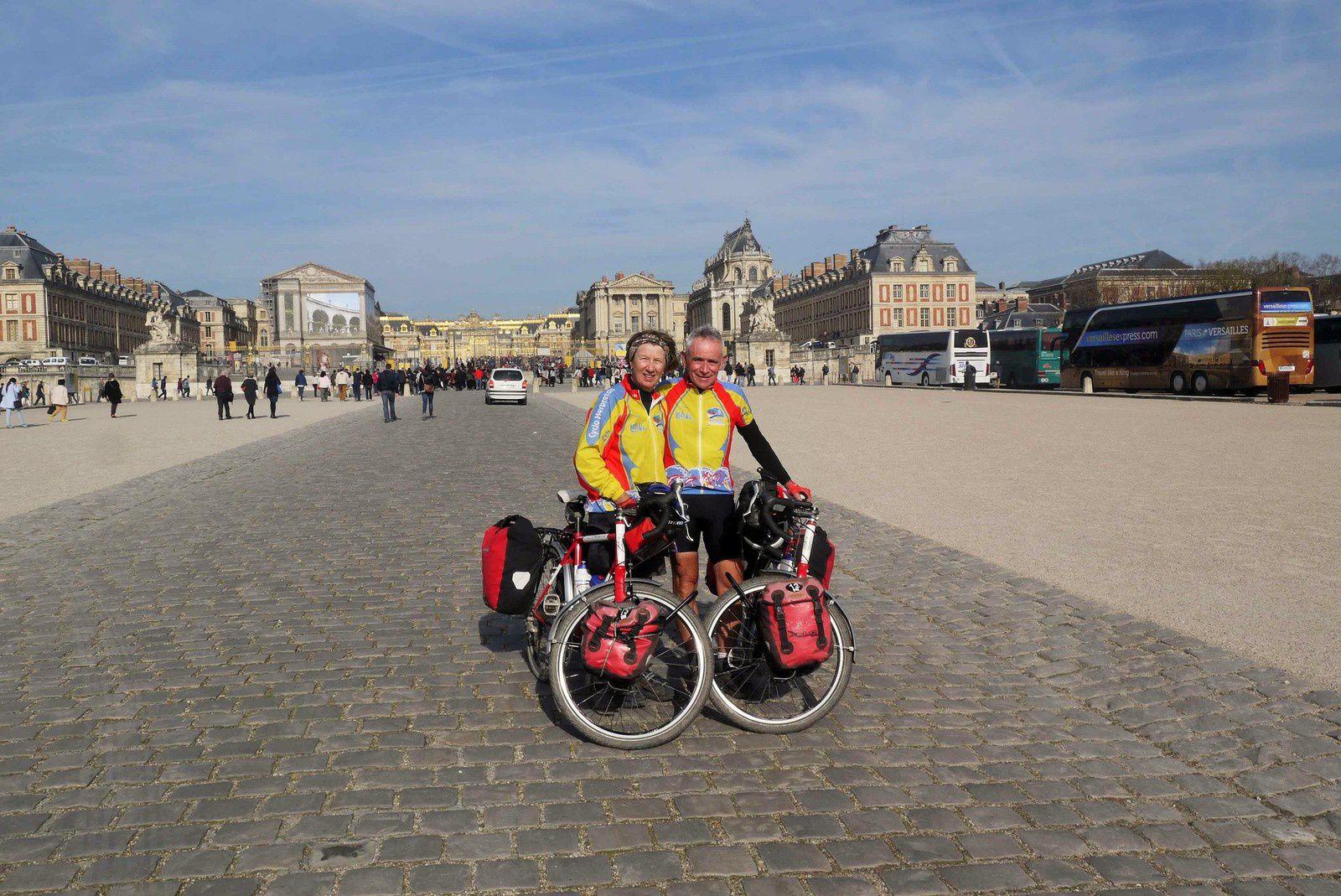 Devant le Château de Versailles