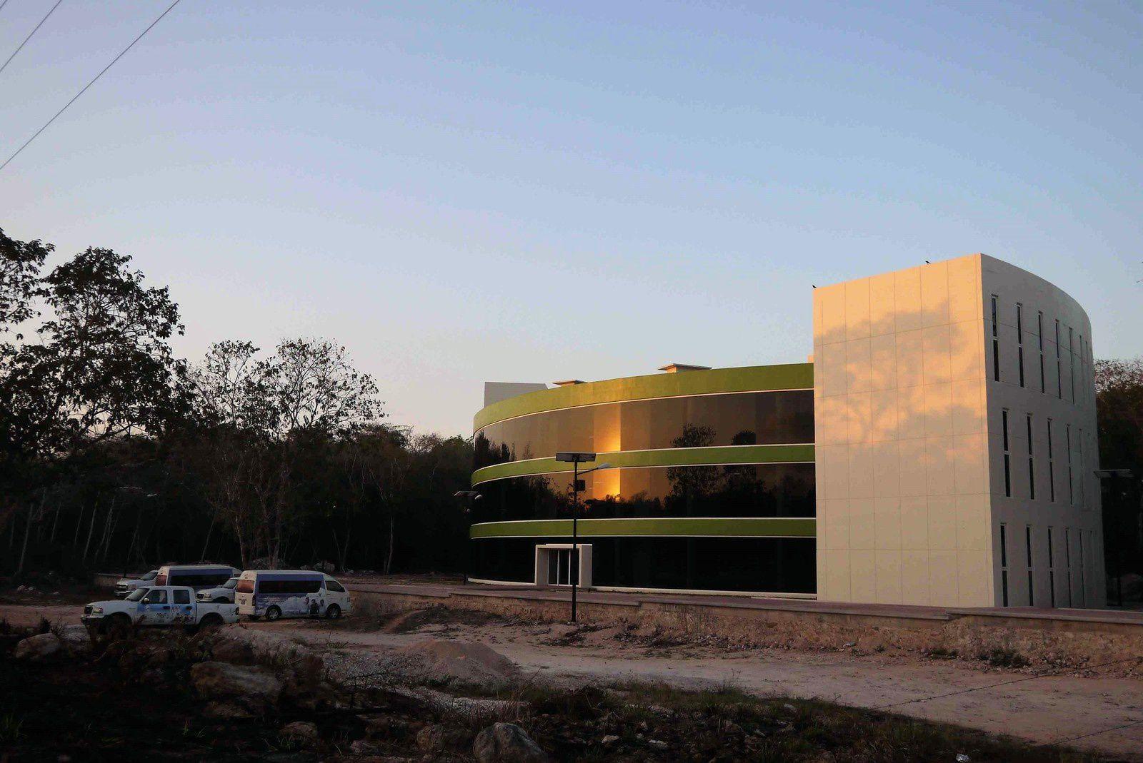La toute neuve « Universitad » de Morelos, déjà 5 km, les premiers rayons du soleil arrivent.
