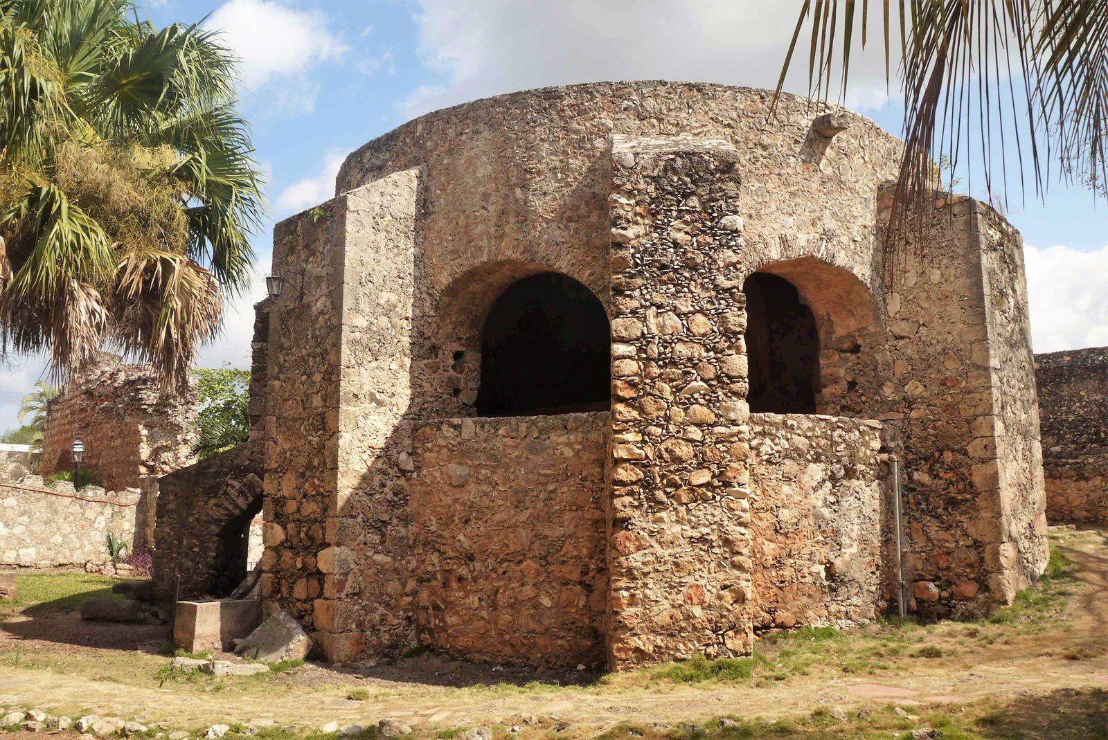 Le puits dans le parc du couvent