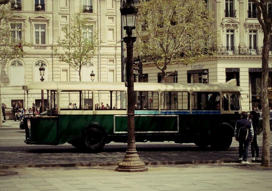 Retour dans le passé avec ce magnifique bus
