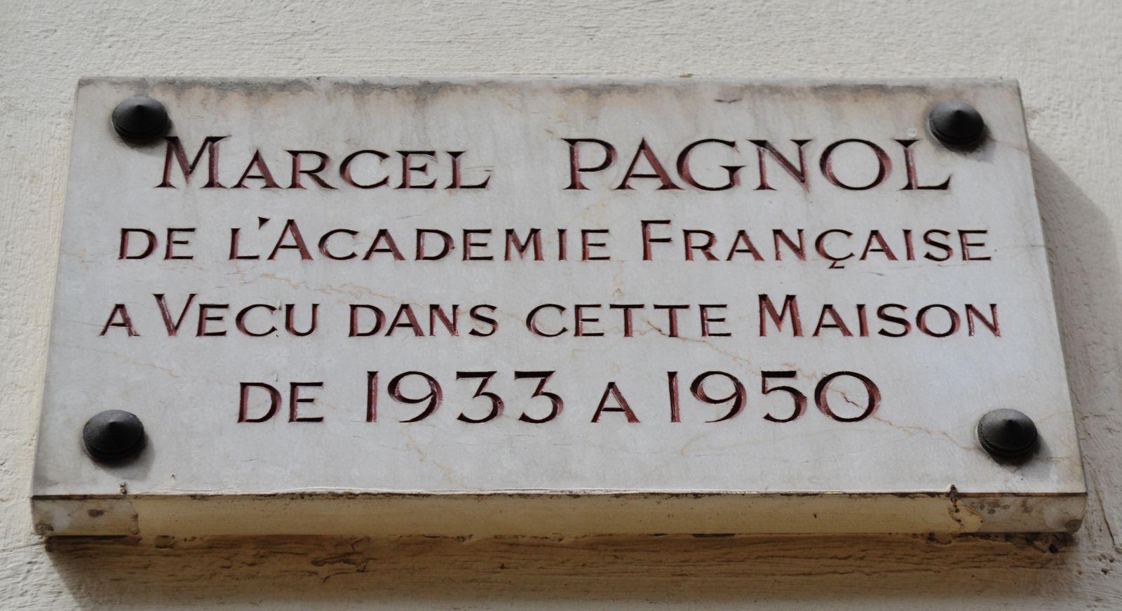 On dirait une maison de poupées.Dans cette même rue (Fortuny), beaucoup d'artistes y ont résidé dont Marcel Pagnol, Sarah Bernhardt..
