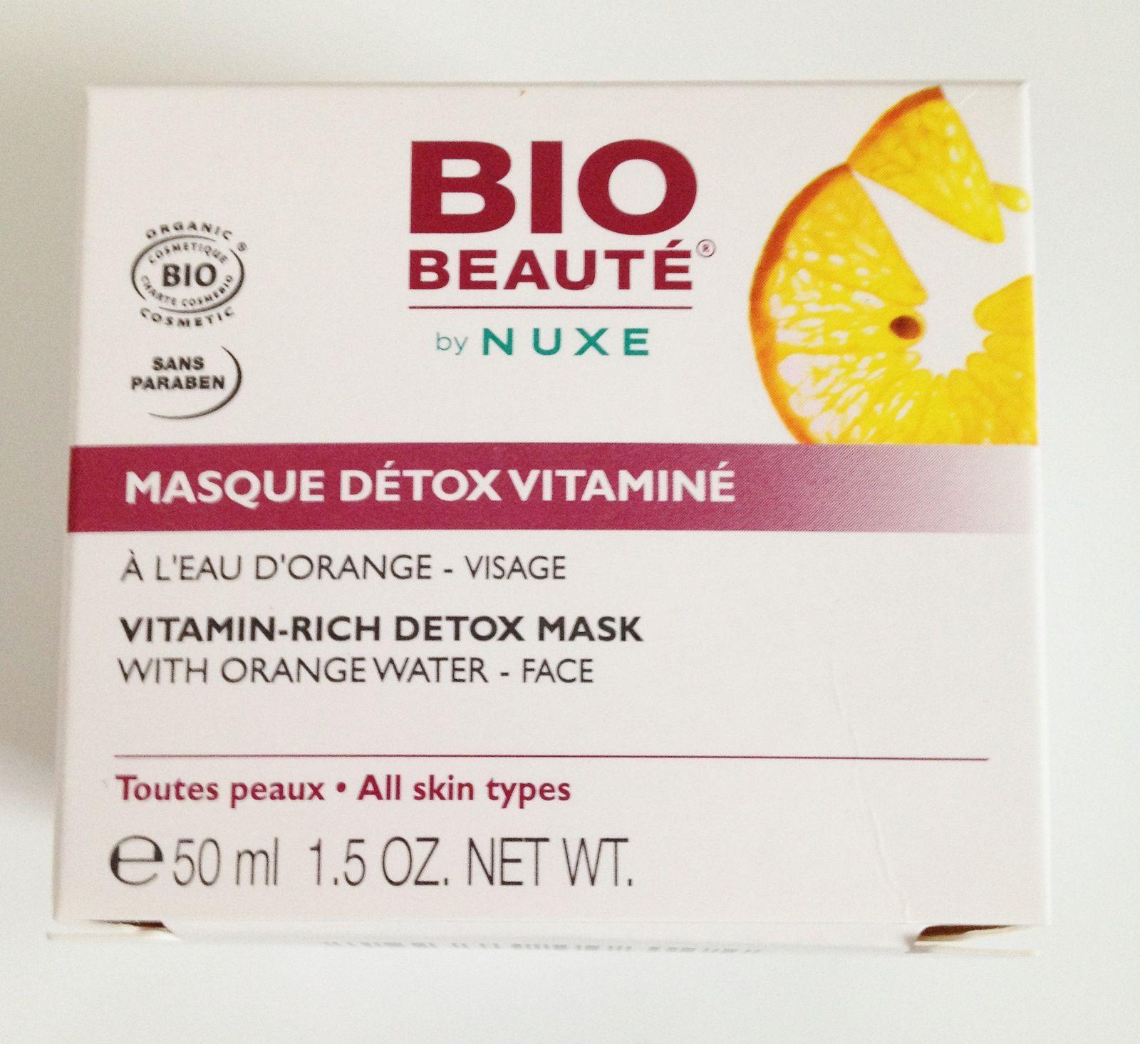 Un masque detox vitaminé à l'eau d'orange de Nuxe. Je suis une inconditionnelle de cette marque. Ce masque convient à toutes les peaux. L'odeur est à tomber. La texture et la couleur me font penser au miel. Je me prendrai limite pour Winnie l'ourson quand il plonge la main dans son pot de miel.