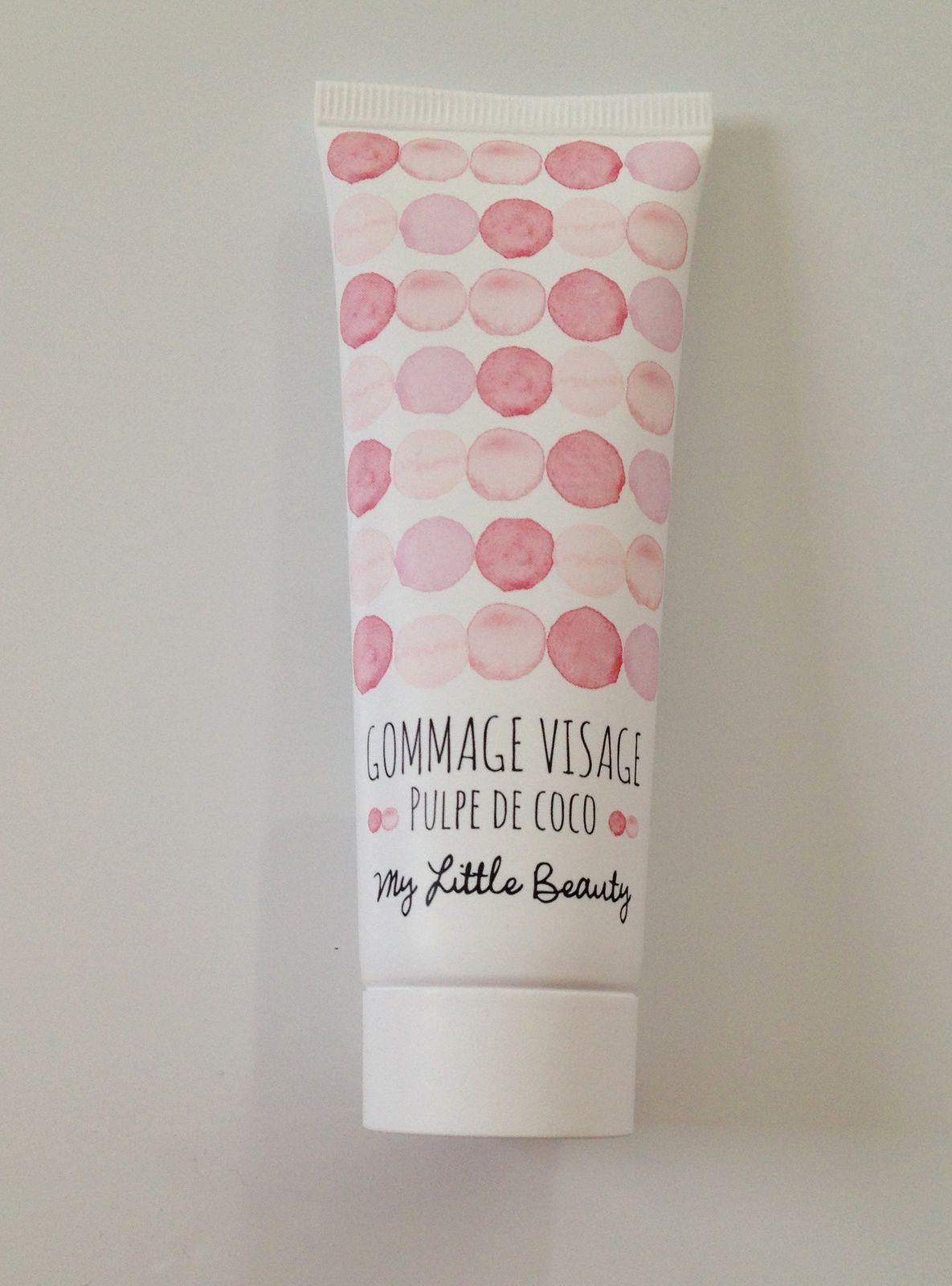 Le produit My little beauty: un gommage visage à la pulpe de coco. Le packaging tout rose est adorable .L'odeur du produit est très agréable.J'ai hâte de pouvoir l'essayer.