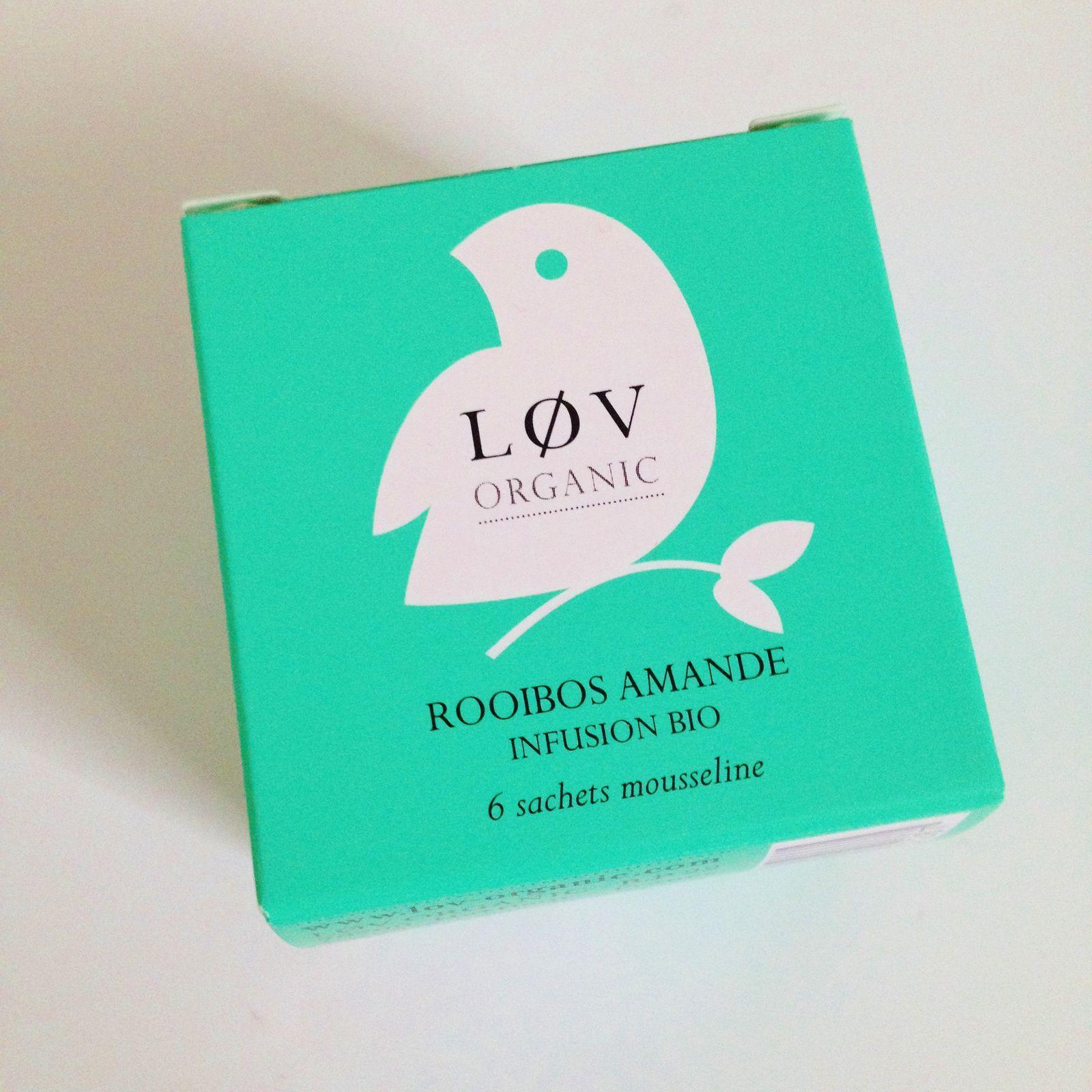 Pour les goodies:un petit paquet contenant 6 sachets de thé de Lov Organic. Je n'en bois pas mais l'idée est bonne car correspond parfaitement au thème.