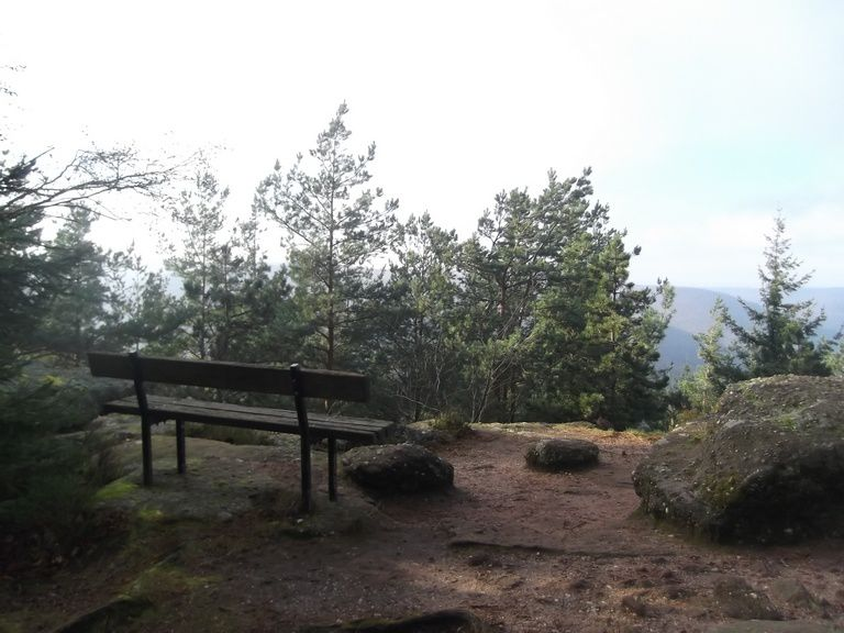 avec vue sur la vallée de Stambach (envahie par le brouillard)