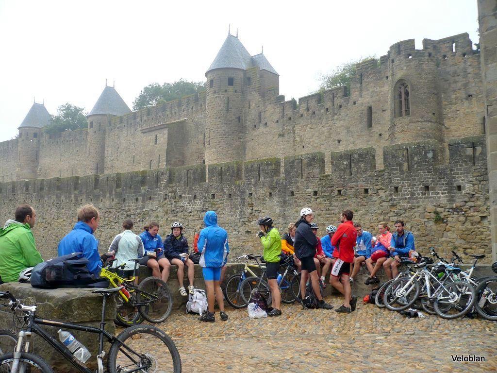 Au vu du temps je les trouve bien courageux ces cyclistes dans ce décor superbe.