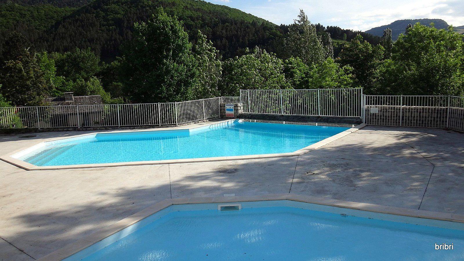 Accueil, piscine.