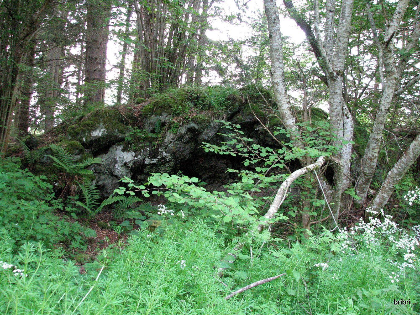 Une grotte ?, ici nous y sommes déjà passés et même garés lors d'une précédente rando.
