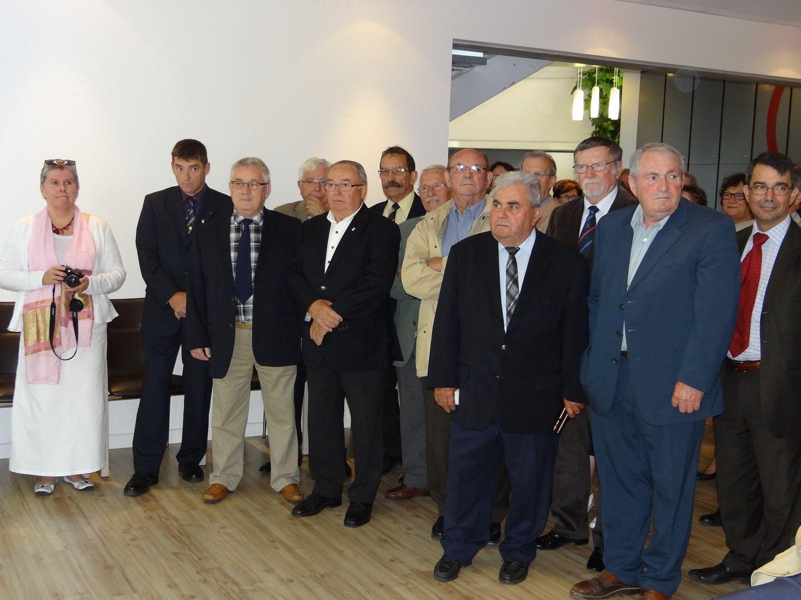 remise des insignes dans l'ordre national du mérite à Marcel Baron, président départemental de l'UNC.