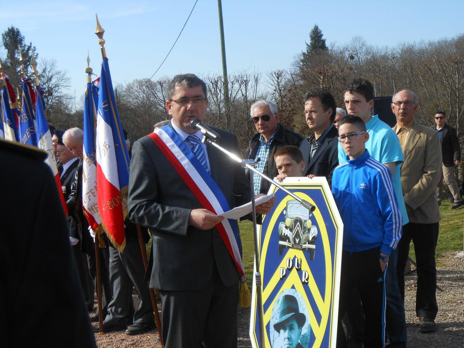 Monsieur Jean claude Ducarre, maire de Melay