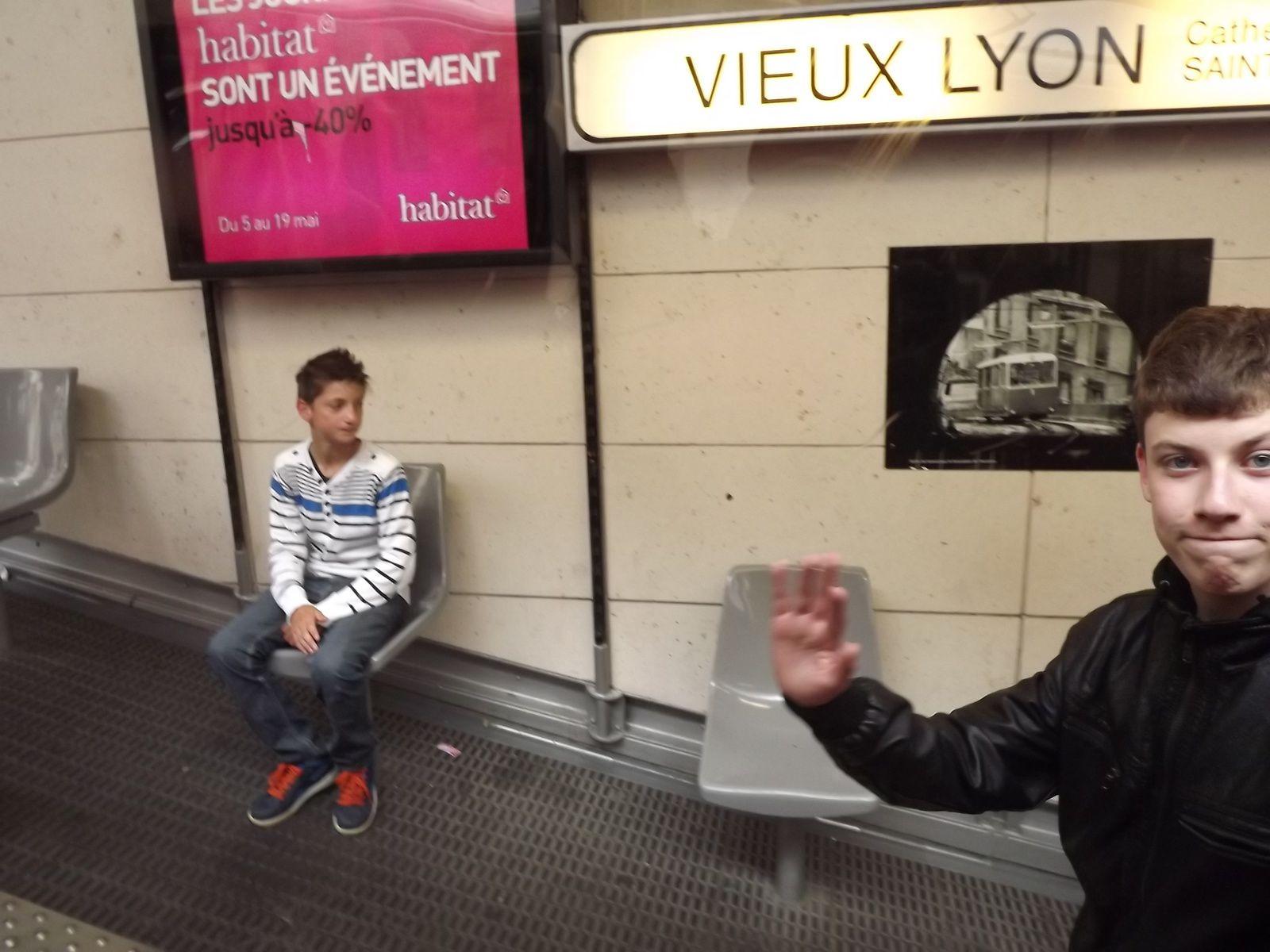 Après midi, visite du vieux Lyon.....