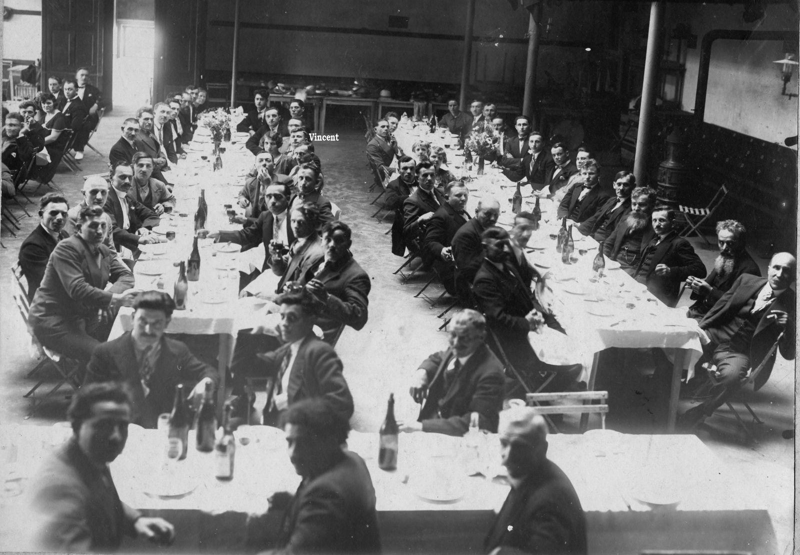 Un petit clin d'œil pour Montceau, la salle du syndicat au début des années 30.
