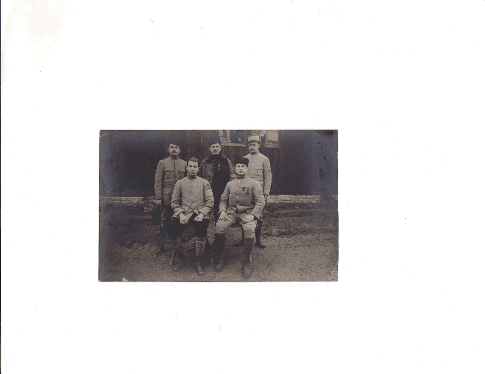 Georges (assis à gauche) au camp de Meschede en janvier 1916