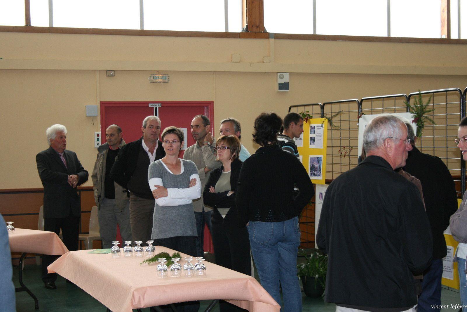 13 septembre 2008, présentation des associations dans la salle polyvalente...