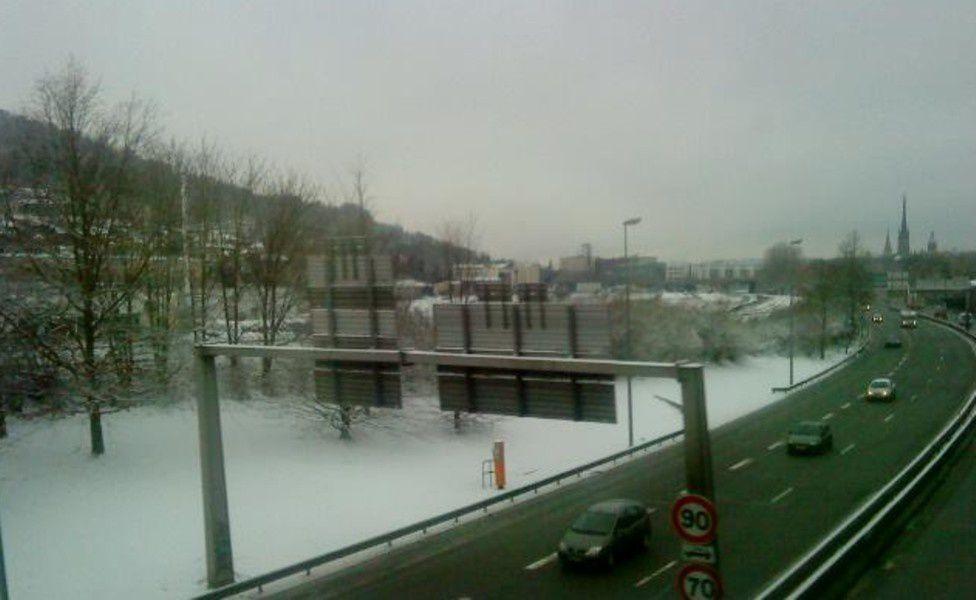 vers la Seine vu du rail avant le tunnel en direction de la gare sncf rive droite