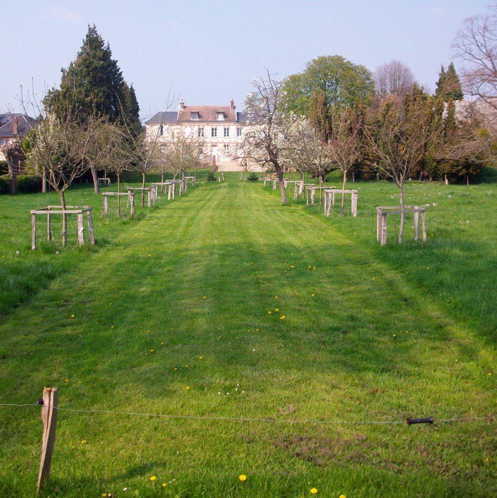 ambiance et retour à la nature, aux jardins et aux petites propriétés de bord de Seine à Sahurs