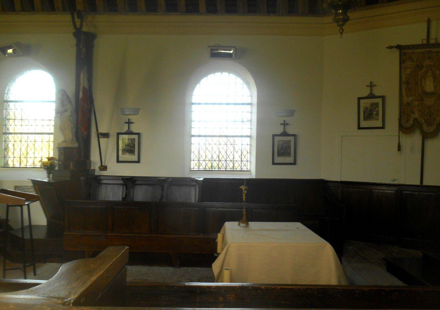 intérieur de la chapelle du bout du vent