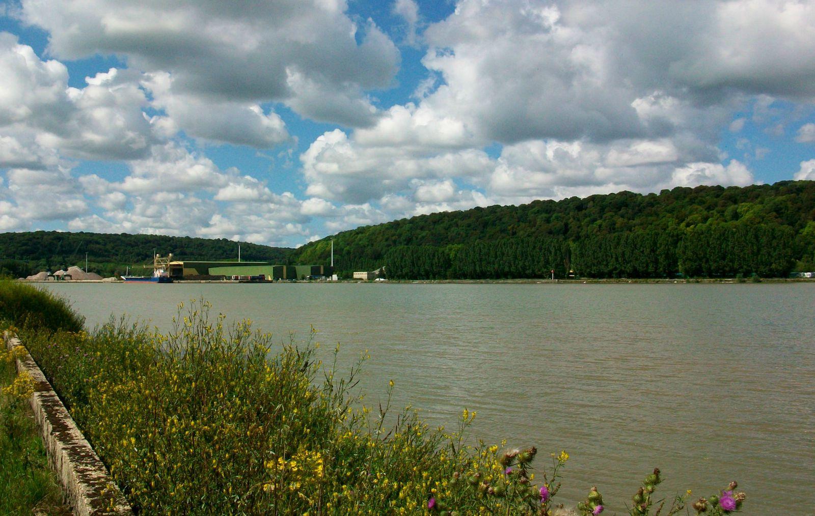 l'activité industrielle  de St Wandrille, commune de Rives-en-Seine, rive droite