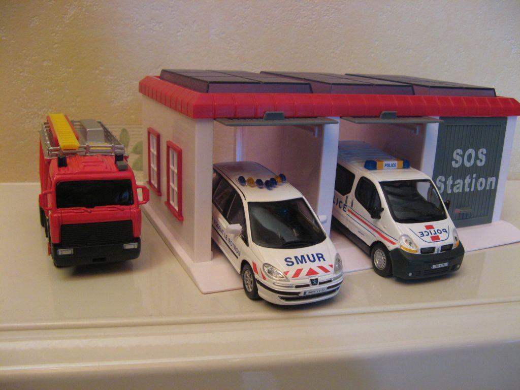 Ma collection de v hicules miniatures au 1 43 i me ma for Garage automobile 38 la buisse