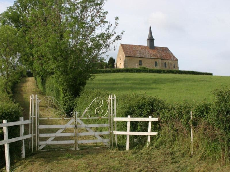 Deux églises de mon Forez,une autre du Maconnais , et notre Mont Saint Michel dans la brume