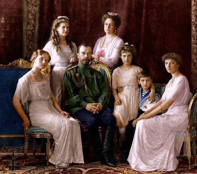 """Henri Troyat ,Moscou , Statue de Pierre  le Grand à Saint Petersbourg,les Romanov et le choeur qui porte toujours le nom """"de l""""armée rouge """""""