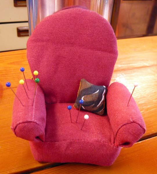 Pique-épingle Fauteuil / Armchair pincushion