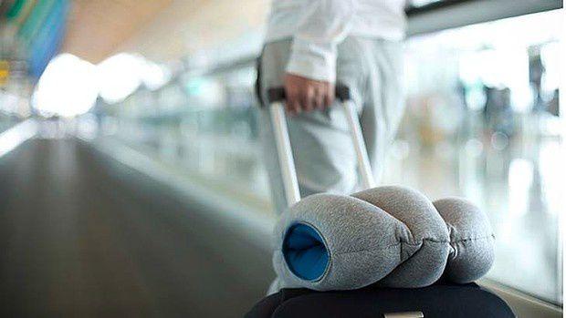 Petit produit drôle du début de semaine : The Ostrich Pillow