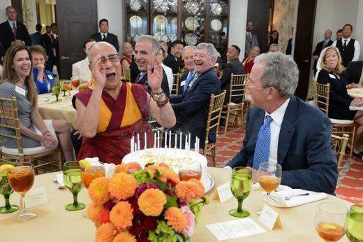 Le DalaÏ-lama fêtant ses 80 ans dans le ranch texan de George W. Bush - 1er juillet 2015