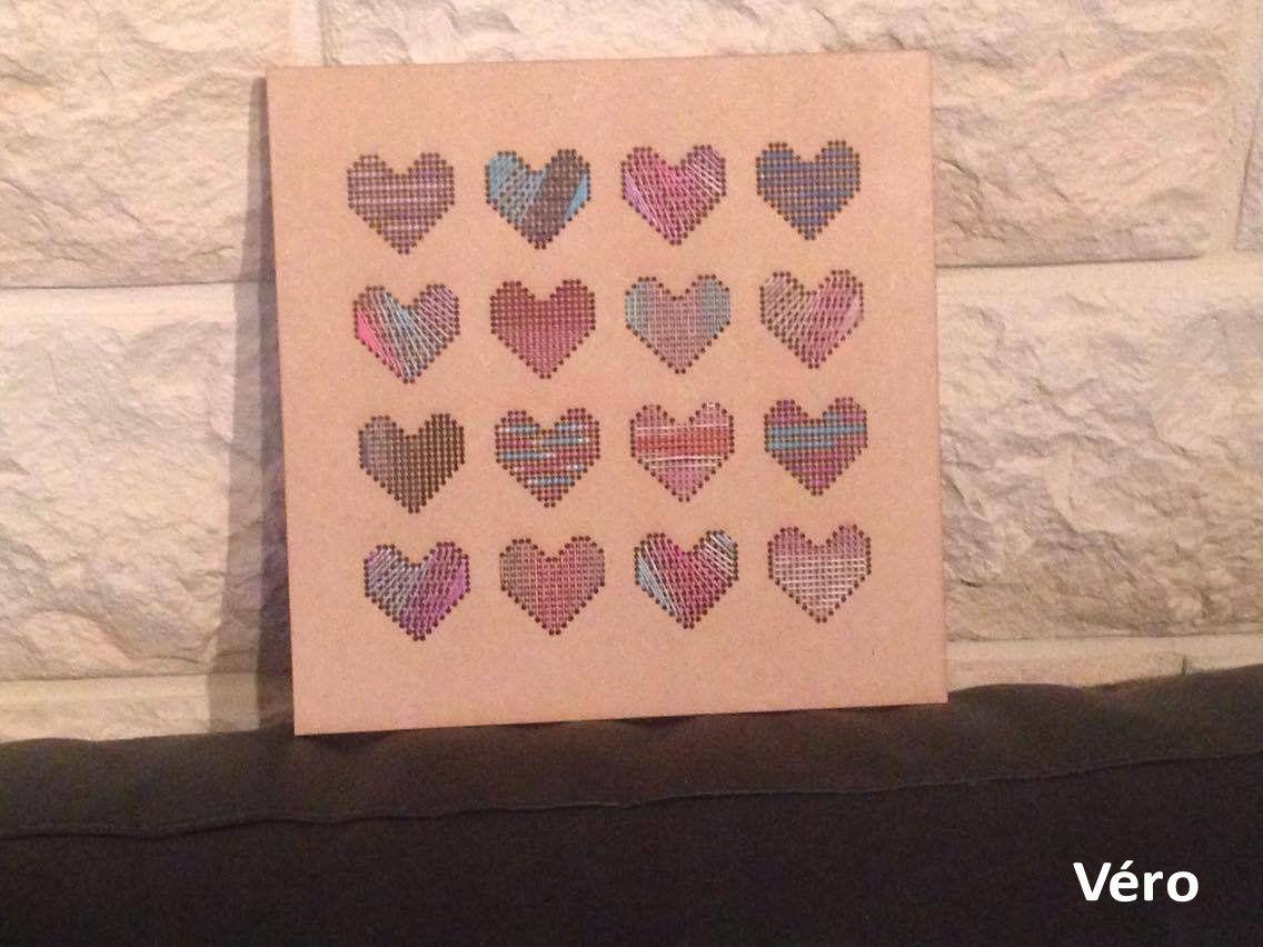 16 coeurs à broder sur bois