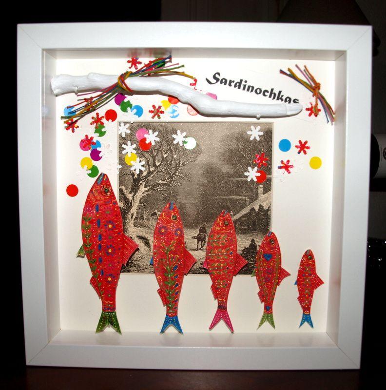 Sardines à l'acrylique, sur papier, illustration ancienne, bois flotté, gomettes, ficelles de lin.