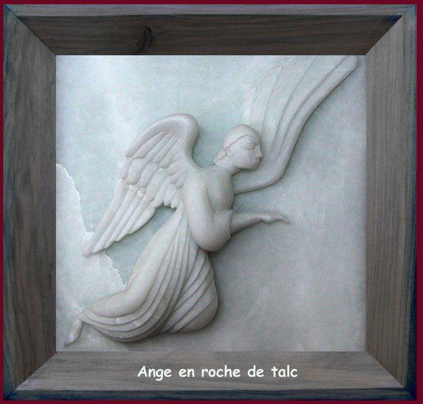 un ange en pierre de talc 200x200mm sept 2013