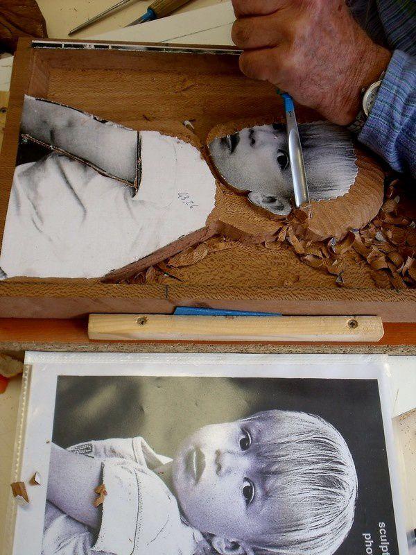 René fait le portrait de sa petite fille .... en platane !