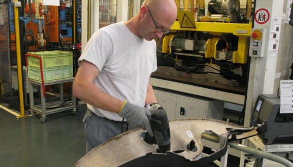 En inaugurant son extension gondecourt reydel for Plastic omnium auto exterieur