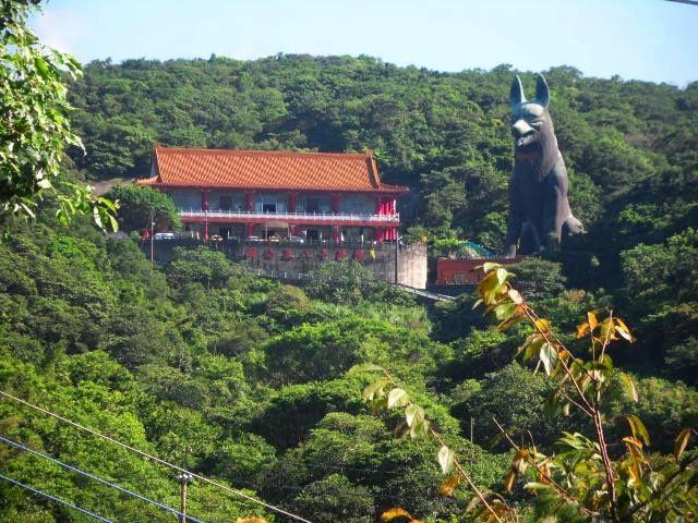 Un temple qui a du chien 十八王公廟