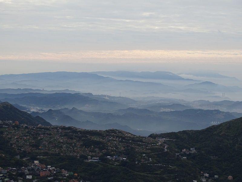 LA MONTAGNE THEIERE 茶壺山
