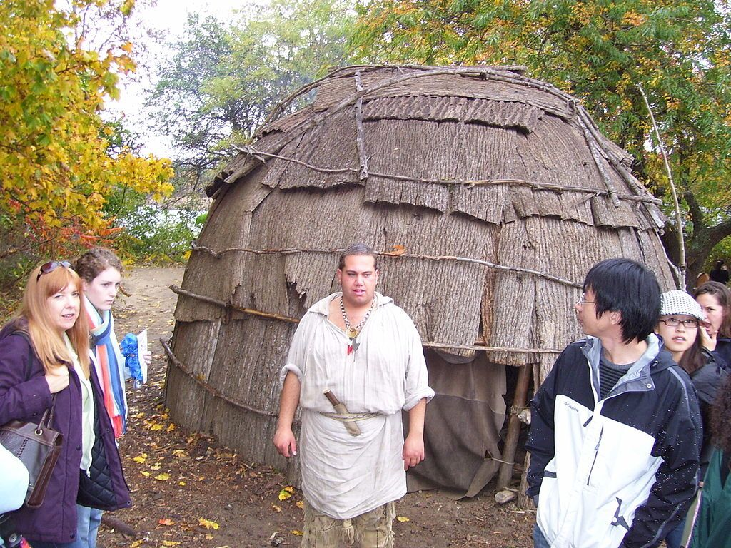 wigwam- By Swampyank at en.wikipedia, CC BY-SA 3.0, https://commons.wikimedia.org/w/index.php?curid=18002766