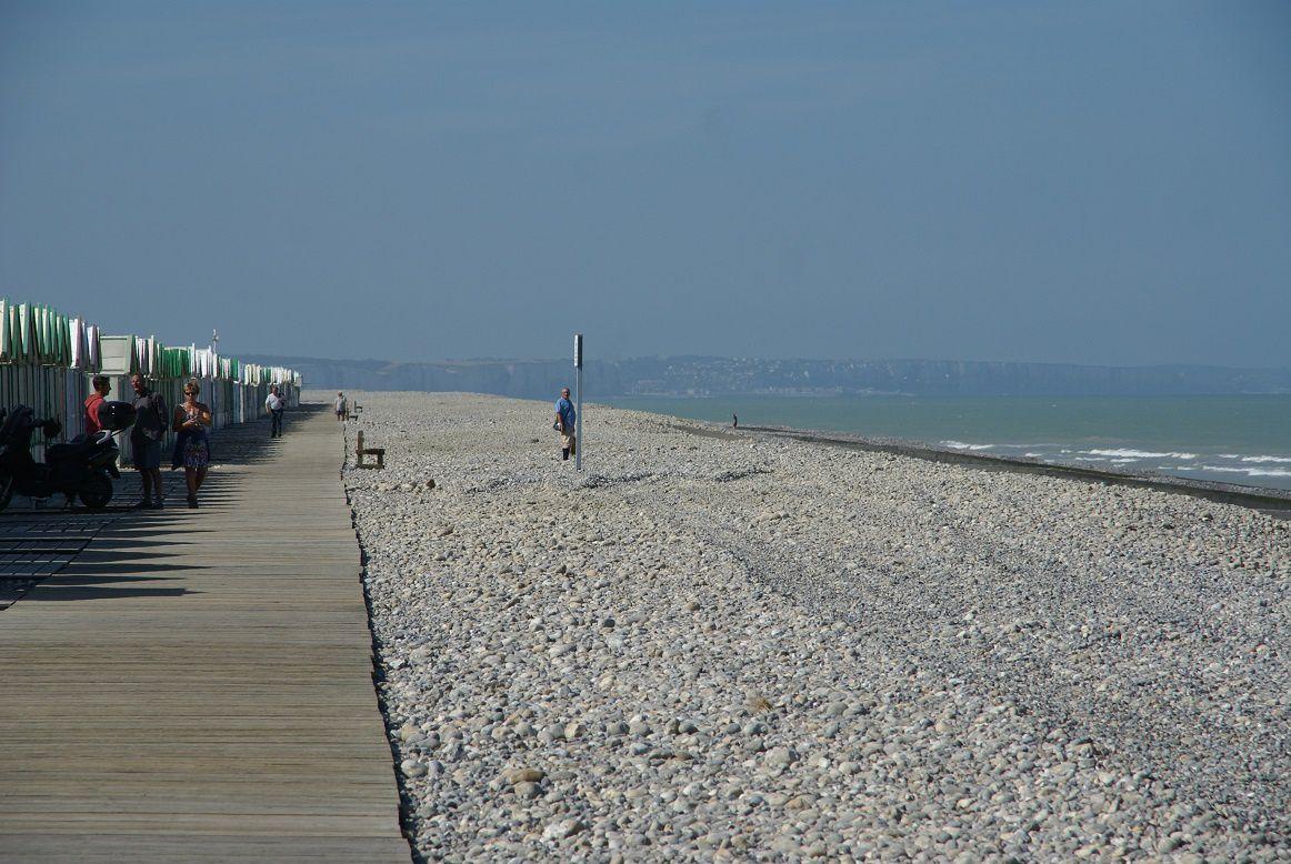 Carte postale de Picardie : Le chemin de planches de Cayeux-sur-mer