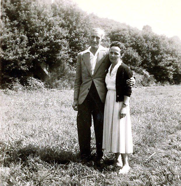 Deux chevilles ouvrières de l'Association paroissiale Saint-Joseph : Mr et Mme Xavier Dières Monplaisir