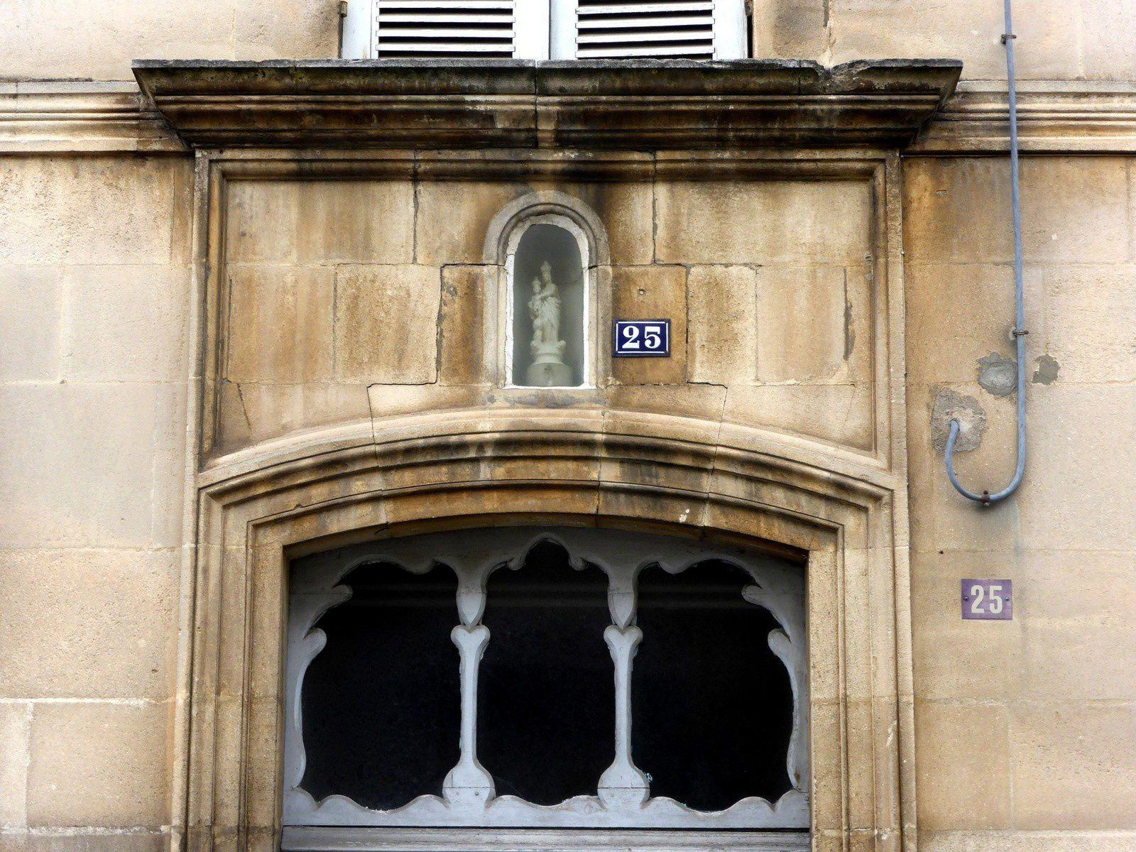 Entrée de Notre Dame de La Sagesse, rue de la Seudre