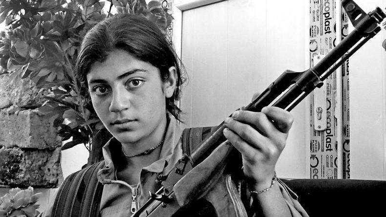 Les femmes yezidies ont décidé de combattre Daesh (capture twitter)