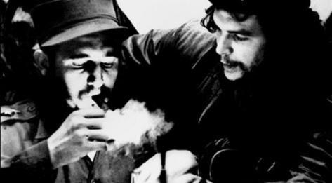 Fidel Castro et Ernesto Che Guevara. Photo Cubadebate/AfP/Archives-Roberto Salas